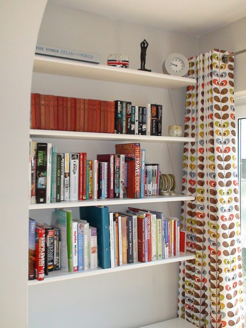 corner bookcase shelves